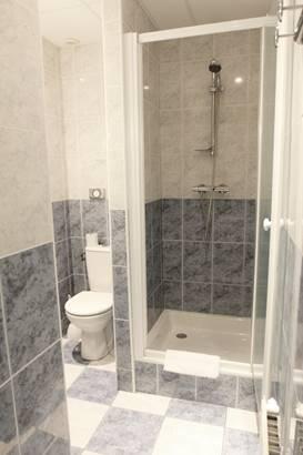 Salle de bain douche ©