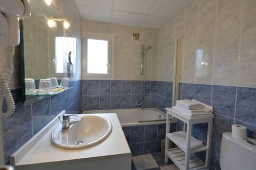 Salle de bain baignoire ©