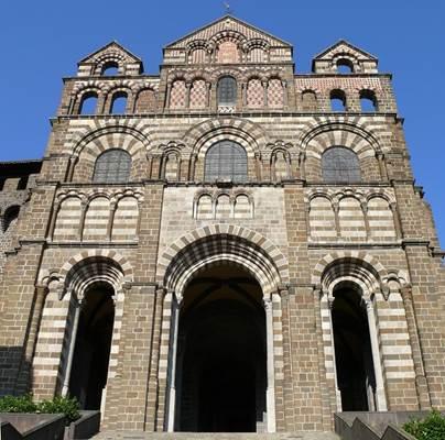 La cathédrale Notre-Dame-du-Puy et son cloître