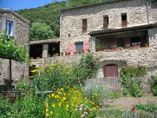 """Chambre d'hôtes """"Sancy"""" – CENDRAS – location Gard"""