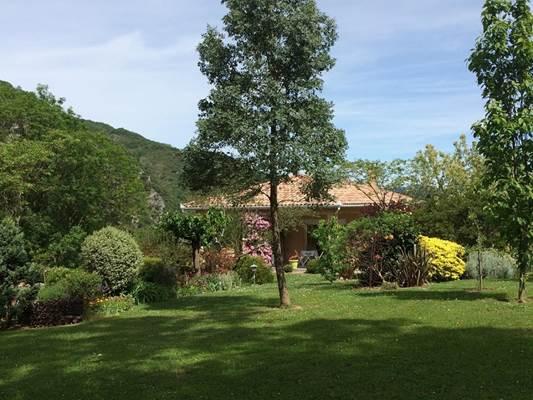 Maison et jardin Ferriere