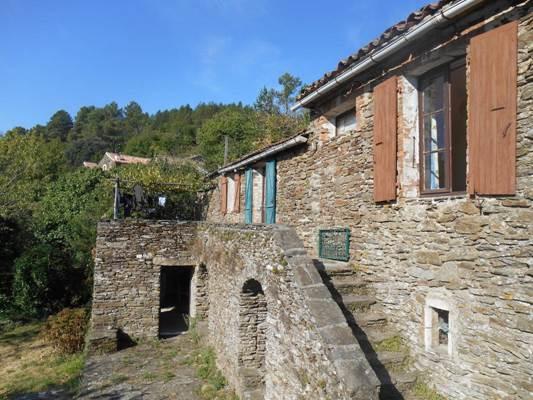 """Gîte """"L'école buissonnière"""" – PEYREMALE – location Gard"""