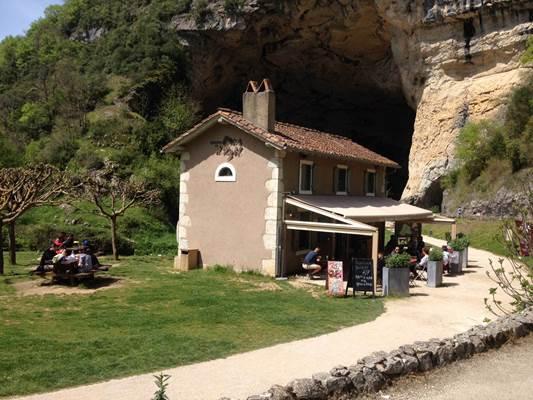 maison de la grotte