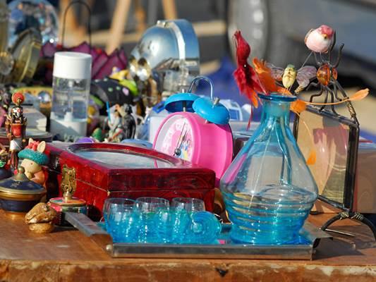 marché aux puces et bocantes à Uzès