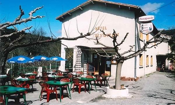 REST_La grillade Cévenole - Entrée restaurant