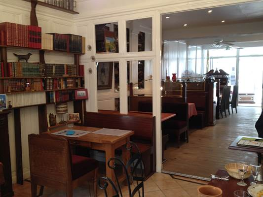 restaurant et bar à vin