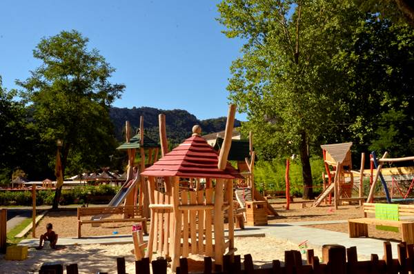 Camping Yelloh Village Le Castel Rose - 01