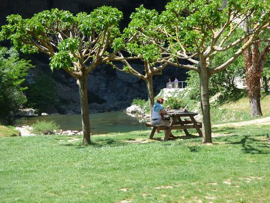 Aire de pique-nique Entrée sud Grotte