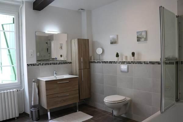 Gîte Verniolle - salle de bains