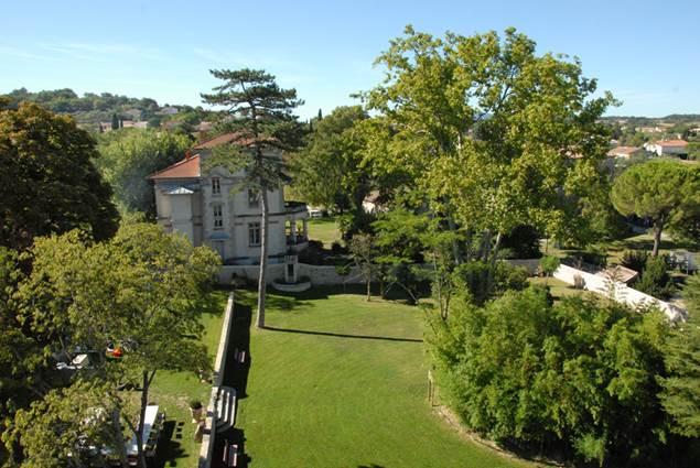 Lezan-parc-chateau-2