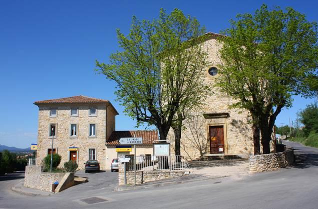 Saint_Hilaire_de_Brethmas_-_La_poste_et_le_temple_©Jean-Marc_jmr