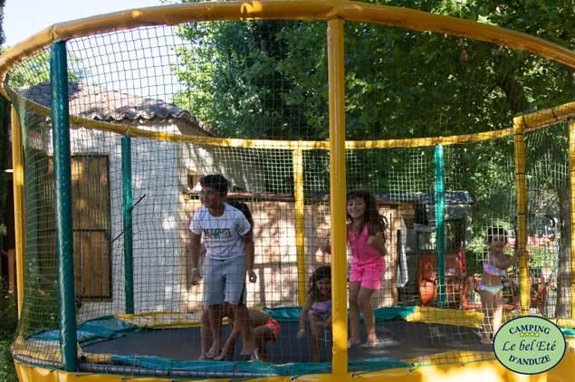Le-bel-ete-trampoline