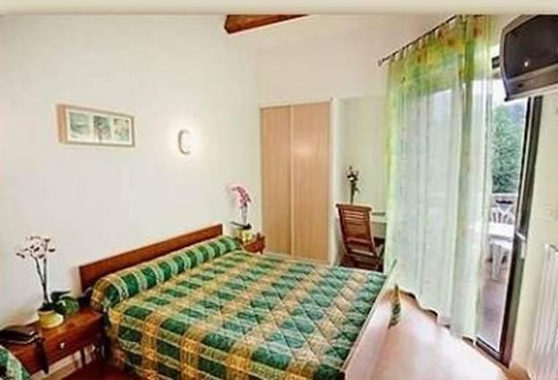hotel-la-riviere-st-michel-de-deze