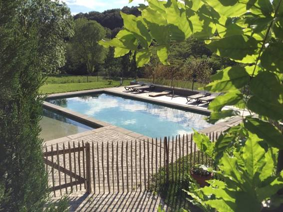 mas du martinet-terrasse-piscine-thoiras