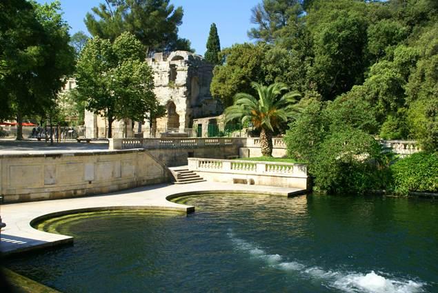 Nîmes - Jardin et Temple de Diane