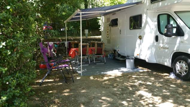 Camping-car au Camping les Sources