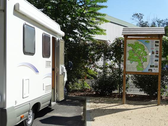 BRANOUX LES TAILLADES aire de camping-cars