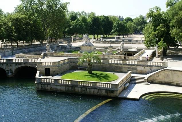 Jardins de la Fontaine - Source Nymphée