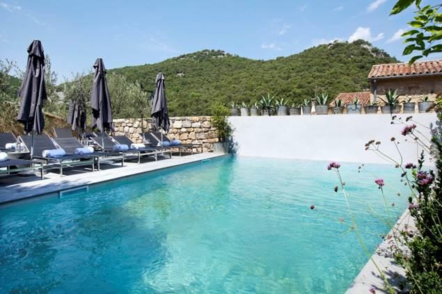 Auberge de Banne piscine
