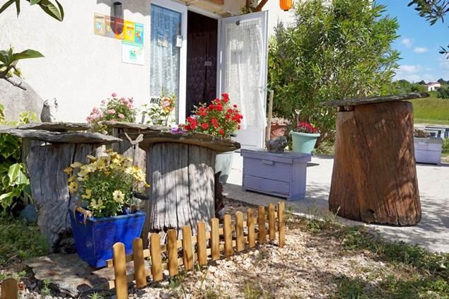 Le grenier aux abeilles Mejannes Les Ales