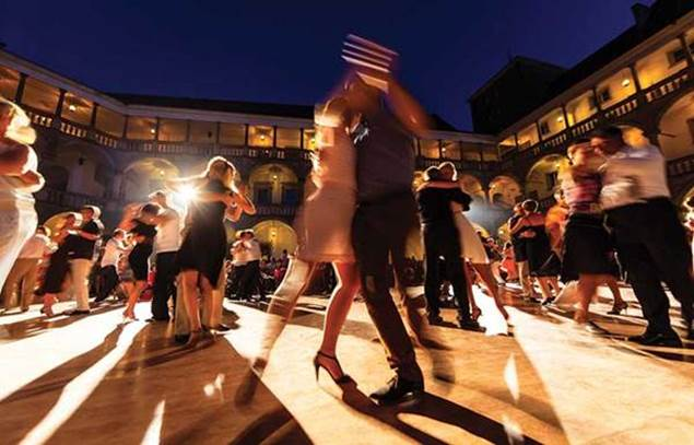 Soiree-danses-kizomba-salsa-rock-saint-hilaire-brethmas