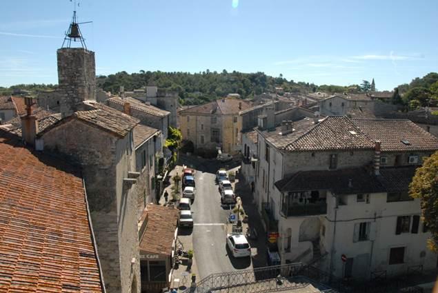 Lezan-toits-village-2
