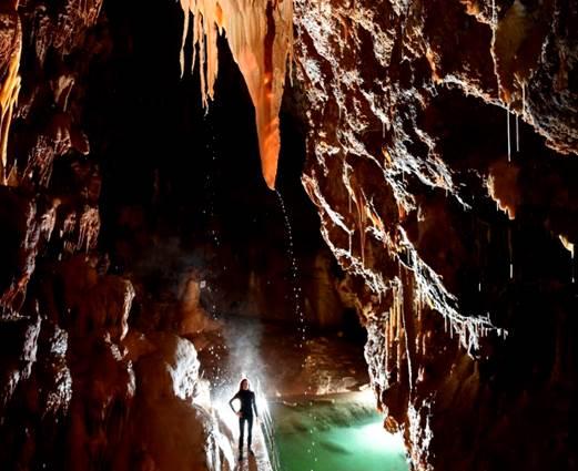Grottes De Dargilan - MEYRUEIS