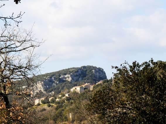 Hameau-proche-Bouquet