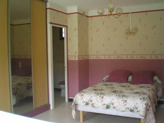 Hôtel LES QUATRE SAISONS Chambre rose