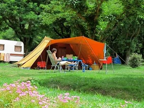 2014 CEVENNES PROVENCE tente en plaine