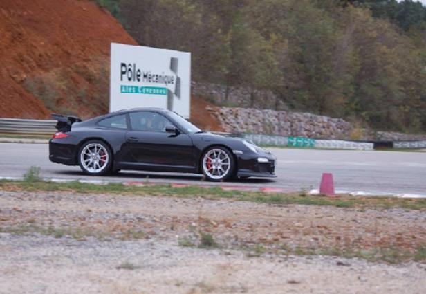 Journée de roulage - pôle mécanique club auto