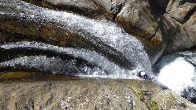 Pierre et Eau cascade toboggan