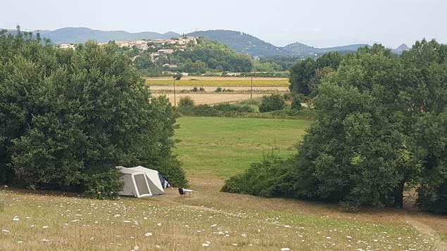 camping calme avec vue sur la nature
