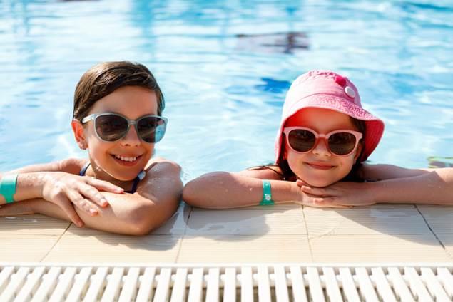 piscine d'été de St Julien les Rosiers - image d'illustration