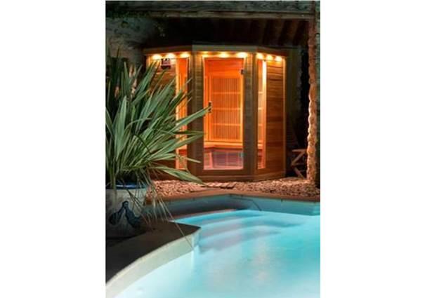 gite-la-bergerie-st-sebastien-d-aigrefeuille-sauna