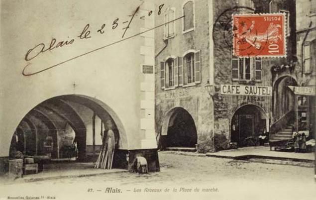 place-du-marche-carte-postale-ancienne-alais