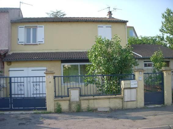 gite_joyce-maillard_facade_rue-800