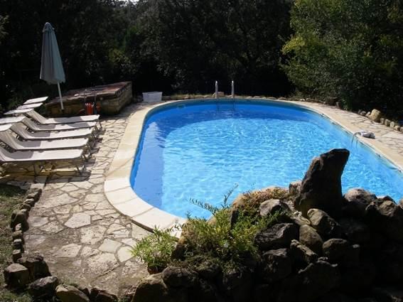 a_fil_de_soi_piscine_-_vezenobres_en_800