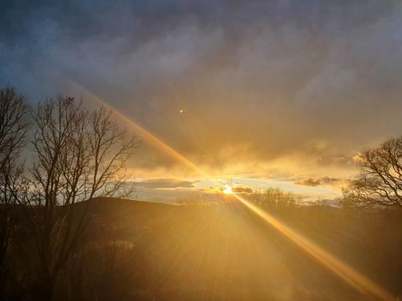 lever de soleil au dessus de Monteze Paradis
