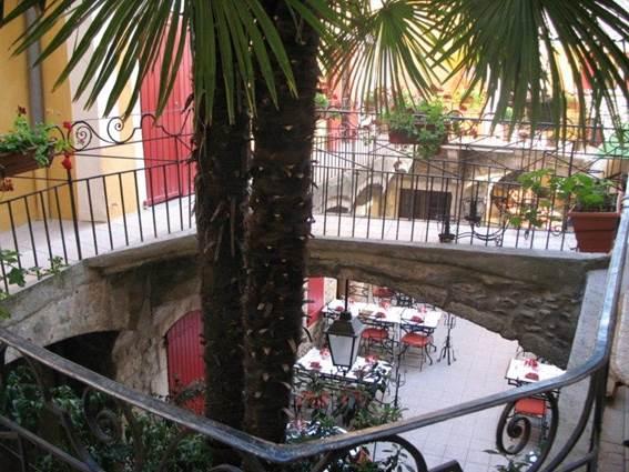 Restaurant L'Oronge ST JEAN DU GARD terrasse