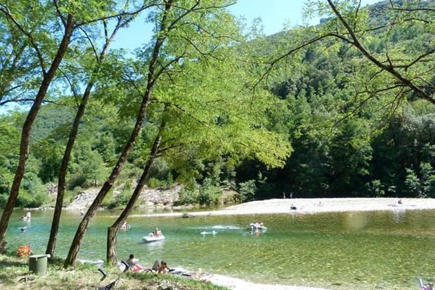 La rivière au Camping LES PLANS