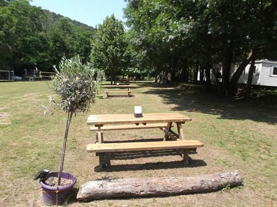 Camping Les Esparnettes GENOLHAC