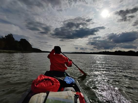La-vue-des-cimes-canoe