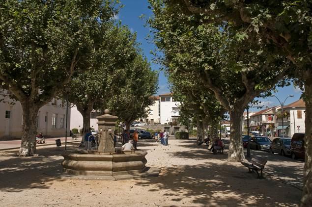 Saint-Martin-de-Valgalgues-Place