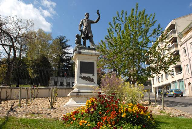 Statue Pasteur Alès