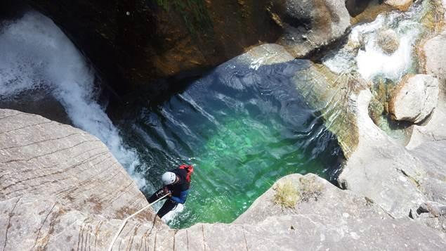 pierre et eau vue descente