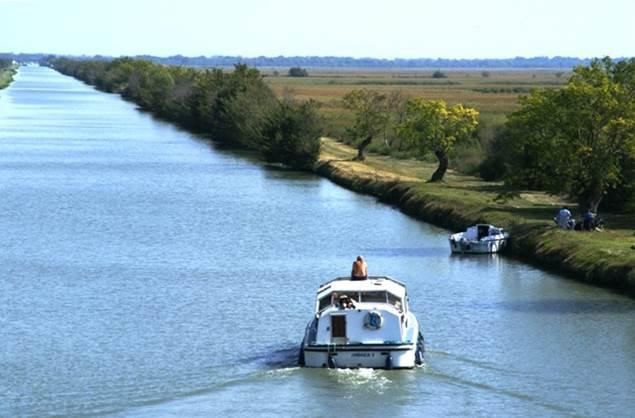 En croisière sur le canal du Rhône à Sète
