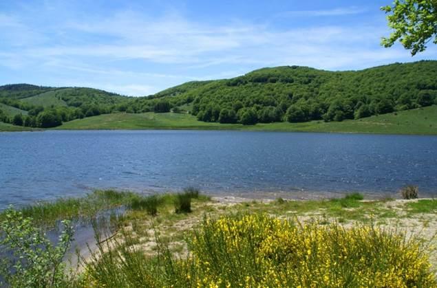 Lac des Pises dans les Cévennes