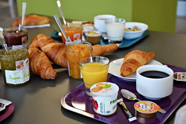 b-&-b-hotel-pole-mecanique-st-martin-de-valgalgues-petit-dejeuner