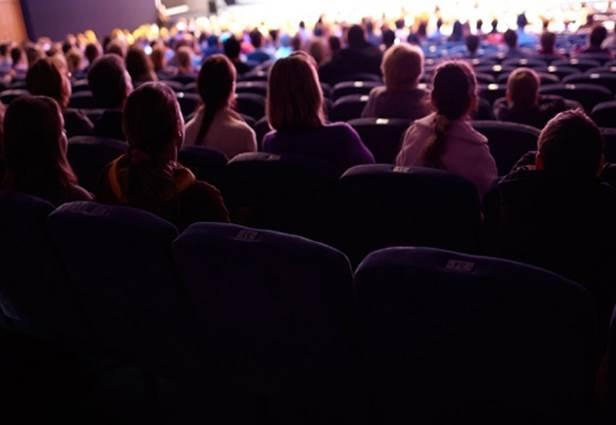 C'EST À LIRE : Le nouveau rendez-vous littéraire du théâtre au Cratère - Une soirée autour du livre.
